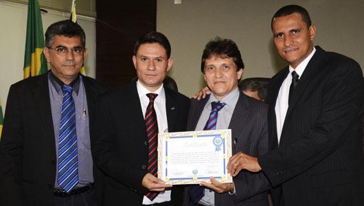 Sargento Pereira Júnior presta homenagem aos 30 anos de criação do IEL em Anápolis