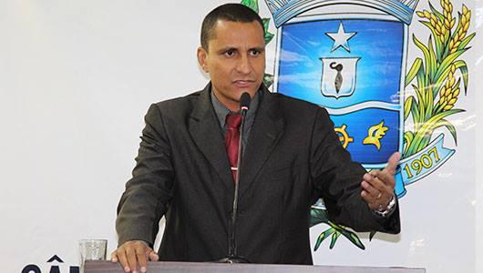 Sargento Pereira Júnior apoia estudantes anapolinos que reclamam de problemas no Fies